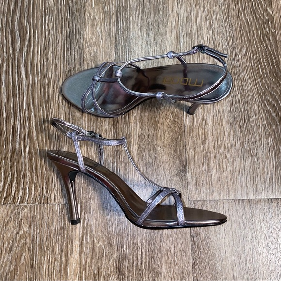 Moda Spana Carrie Pewter Glitter Strappy Heels 8.5